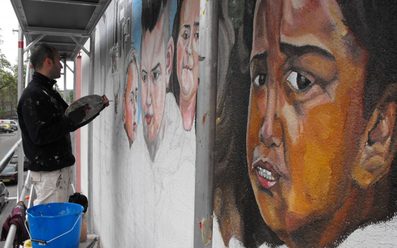 Modern murals to make reflect about modern and social issues - Jupiterfab - Charlois