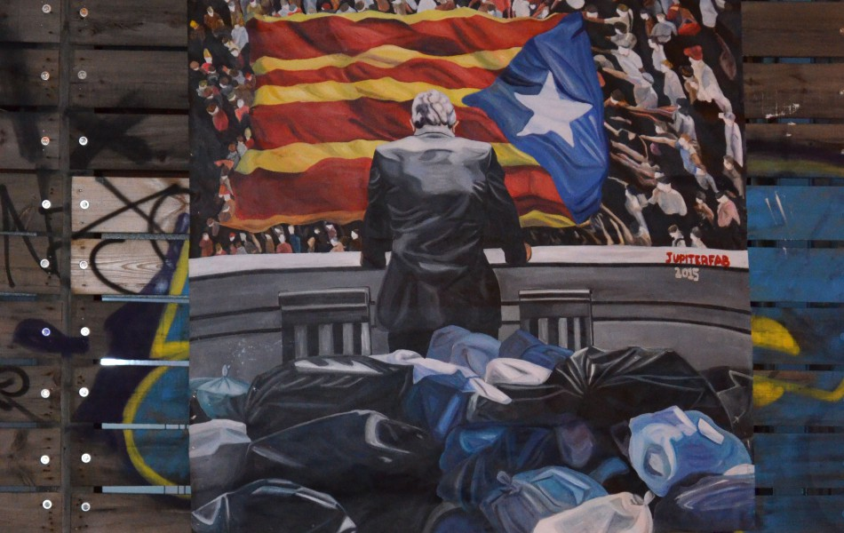 Modern murals to make reflect about modern and social issues - Jupiterfab - Barcelona