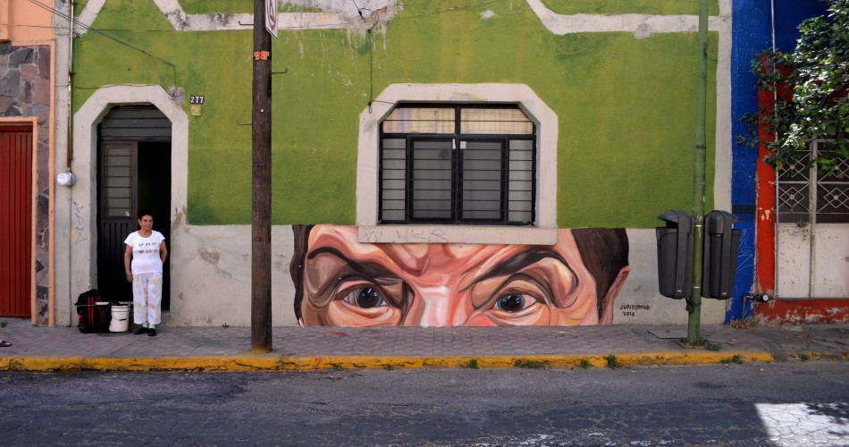 Modern murals to make reflect about modern and social issues - Jupiterfab - Guadalajara, Mexico